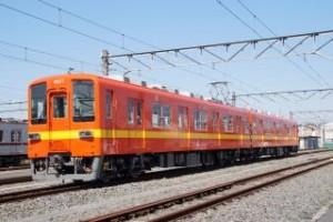 東武鉄道亀戸線に、昭和30年代の「標準色」リバイバルカラーが登場
