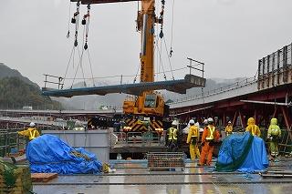 東名高速道路リニューアル工事実施中